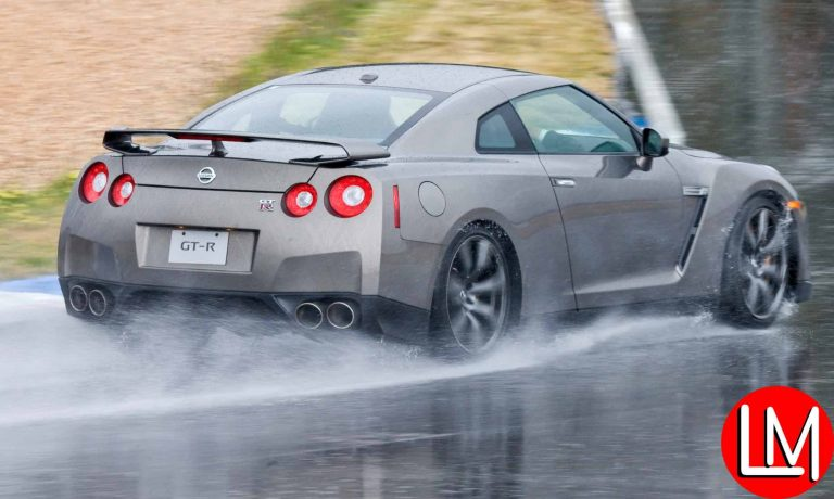 5 Essential Car Tips for the Rainy Season