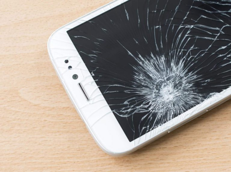 8 Simple Tips to Guard your Phone & Prevent it from Damage